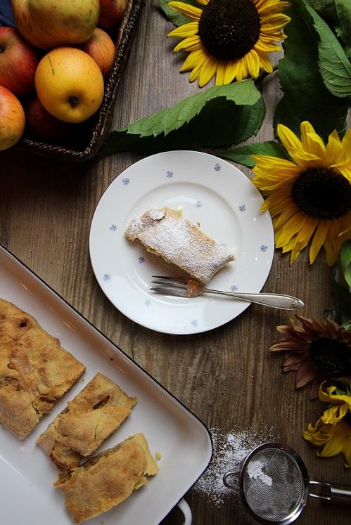 Apfelstrudel Rezept mit Mürbteig nach Oma's Art
